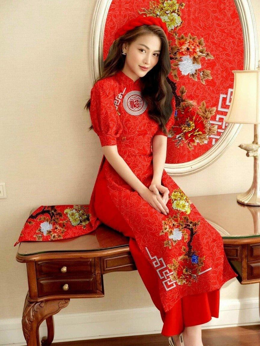 Áo dài họa tiết hoa mai, áo dài cách tân